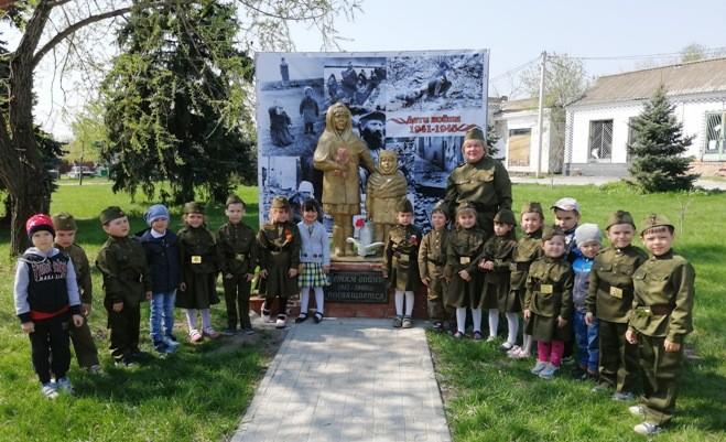 Кружок «Родничок»  по приобщение детей к истокам русской народной  культуре