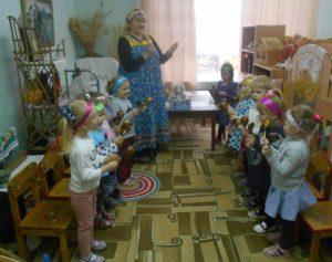 Интегрированное занятие по ознакомлению с русским фольклором «Хороший гость — дому радость»