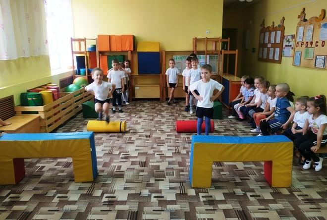 Спортивные соревнования «Мы сильные, мы дружные»