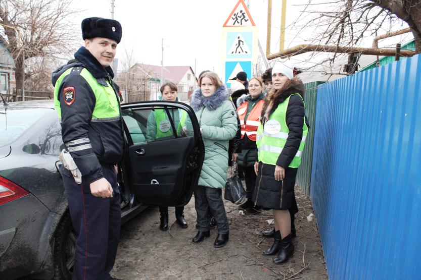 «Родительский патруль» МБДОУ «Детский сад «Тополек» вышел в рейд вместе с инспекторами ОГИБДД